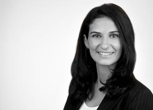 Portrait: Valizade-Funder, Shyda, Prof. Dr.