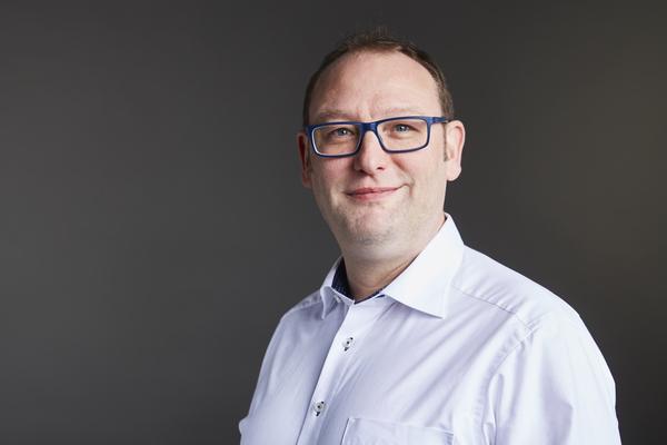 Portrait: von der Thüsen, Max, Dr.