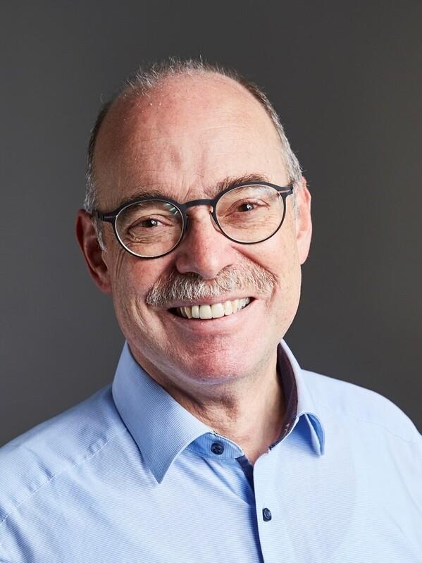 Portrait: May, Bernhard, Prof. Dr.